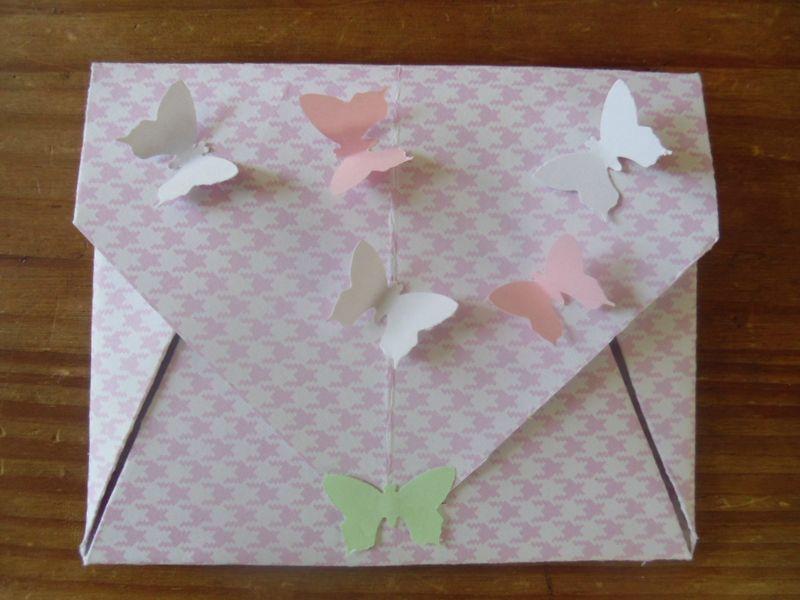 enveloppe avec une feuille a4
