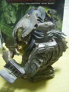 Predator_Defeated_mini_bust4