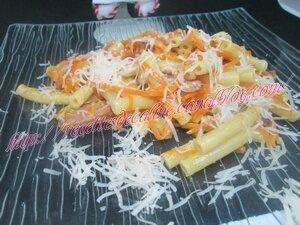 Macaronis aux carottes & à la saucisse23