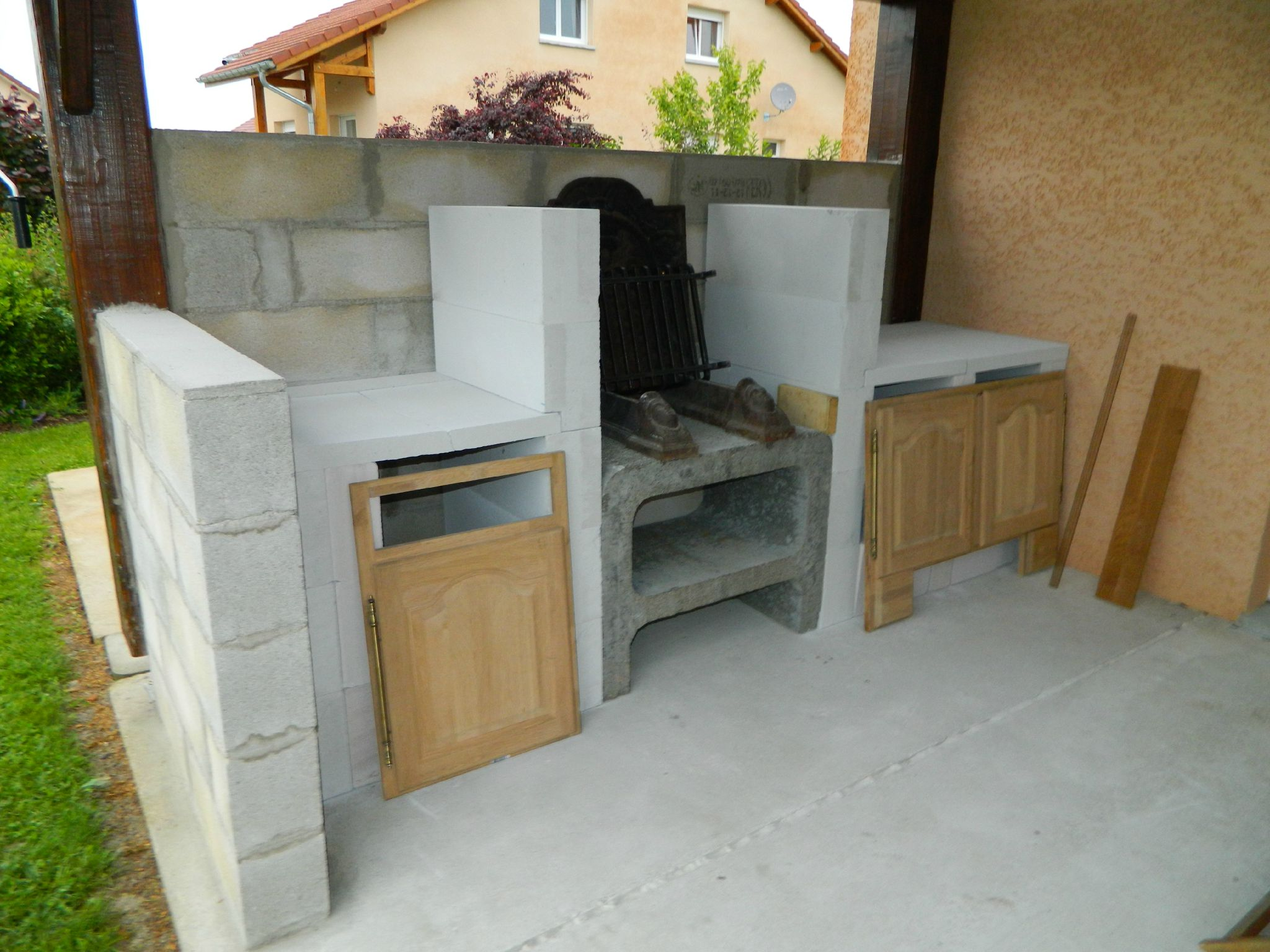 Les compartiments en siporex el matos constructions et for Plan barbecue en beton cellulaire