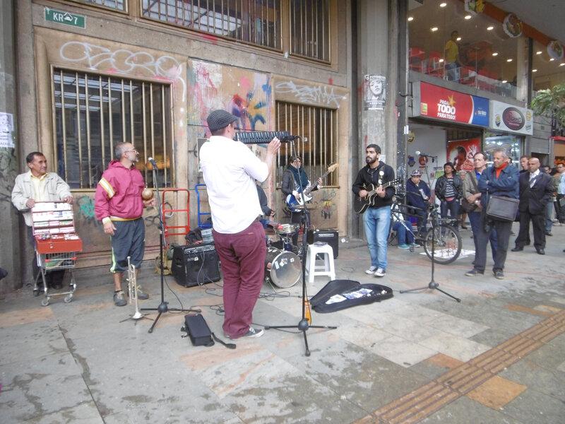 BOgota -musiciens dans la rue(74)