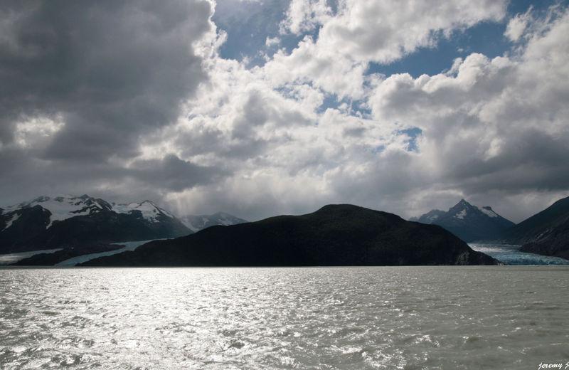lago y glaciar grey