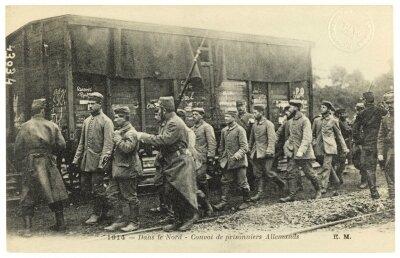 12 20 convoi de prisonniers allemands dans le Nord