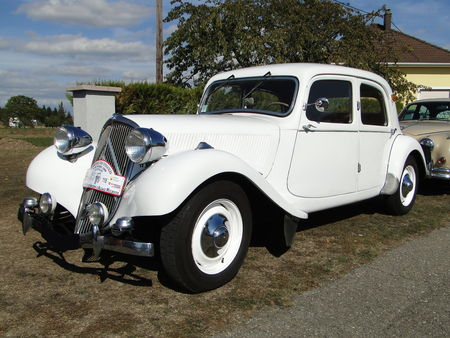 CITROEN_Traction_15__1_