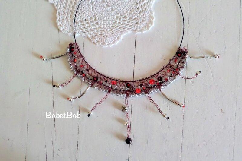 collier fil de fer crocheté (2).JPG