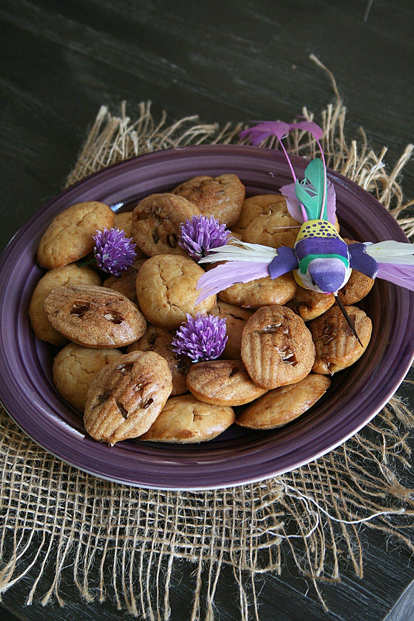 Madeleines salées à la fleur de ciboulette et gingembre