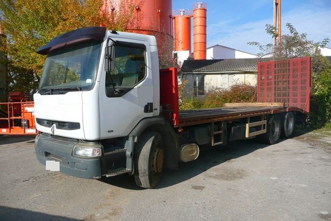 Camion porte engin