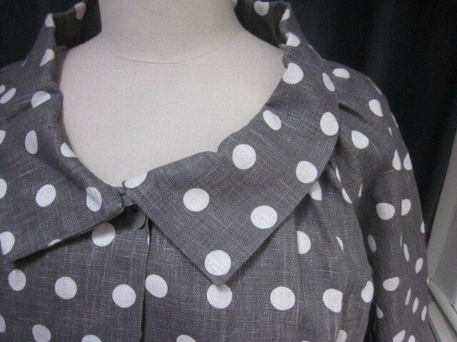 Robe champètre en lin blanc et popeline de coton gris et blanc à pois ou rayures - Veste BLANCHE en lin gris à pois blancs (5)