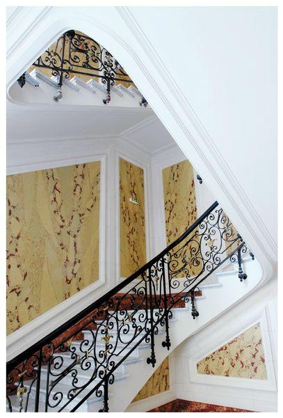 Escalier en Stuc Agence LCL Paris 6