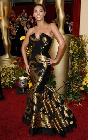 beyonce_arrives_at_the_81st_annual_academy_awards_02_123_495lo