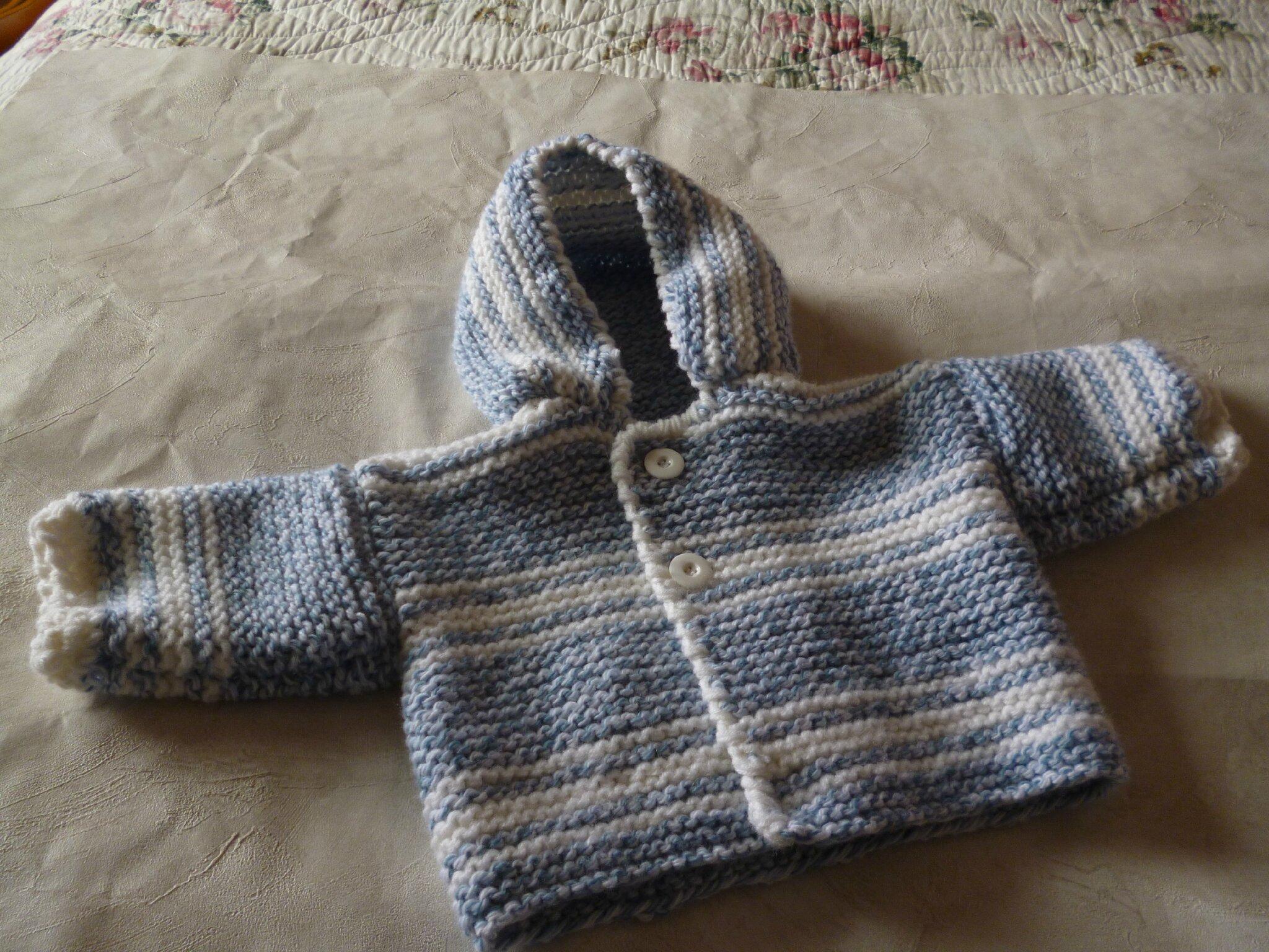 veste,manteau bébé modèle PABLO,tricoté mains taille 6 mois prix 29€