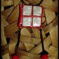 Symboles chinois en rouge et blanc (46)
