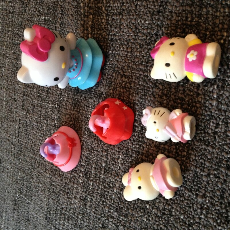 Divers Hello Kitty 1€ le lot