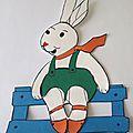 Atelier découpage-collage : lapin sur sa barrière