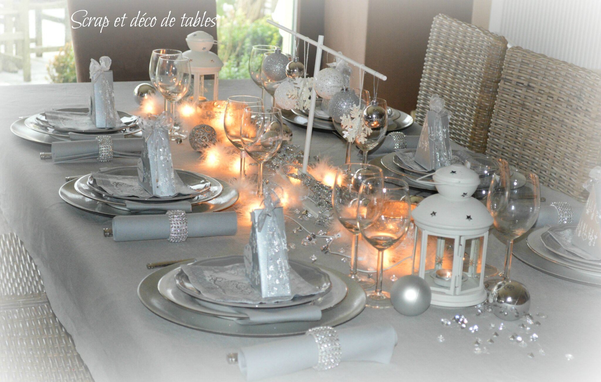 Calendrier de l 39 avent j20 deco de table de no l argent et for Table de noel argent et blanc