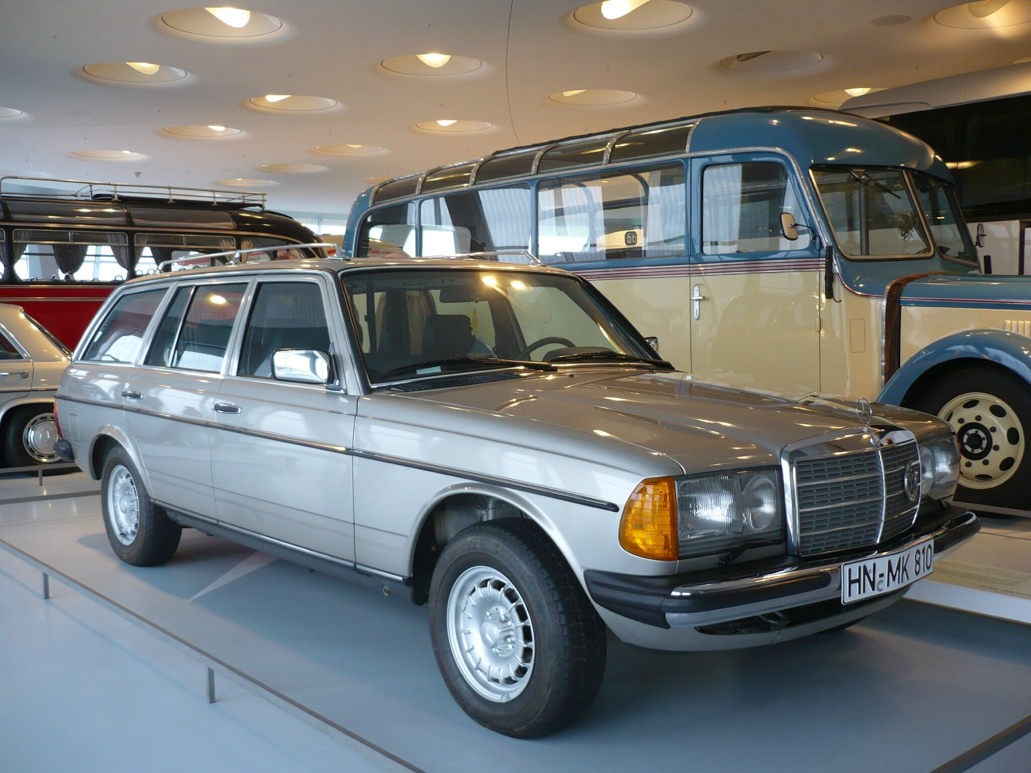 mercedes 300 td w123 break 1985 stuttgart 1 photo de 084 visite au mus e mercedes benz. Black Bedroom Furniture Sets. Home Design Ideas