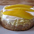 Cheesecake au citron vert et à la mangue