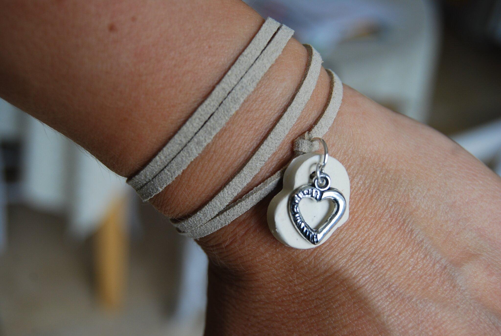bracelet daim écru à nouer (non dispo)