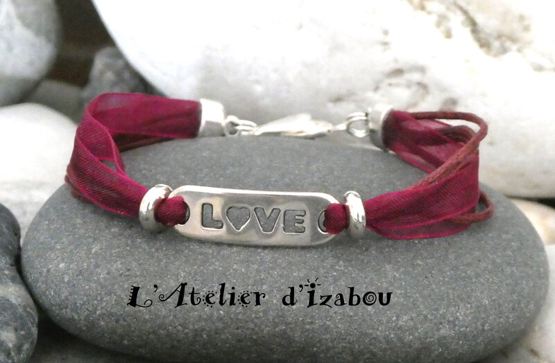 P1030068_Bracelet_love_d_claration_d_amour__organza__coton_cir__bordeau_et_connecteuer_grav__Love