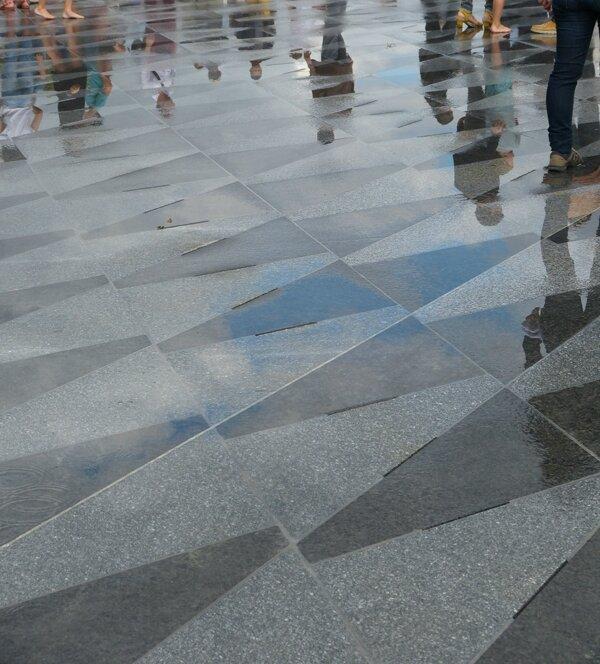 Miroir d 39 eau nantes pharendole de scrap for Miroir d eau nantes