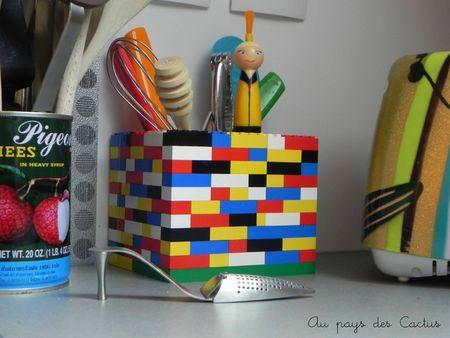 Pot de cuisine en briques de Lego Au pays des Cactus 1