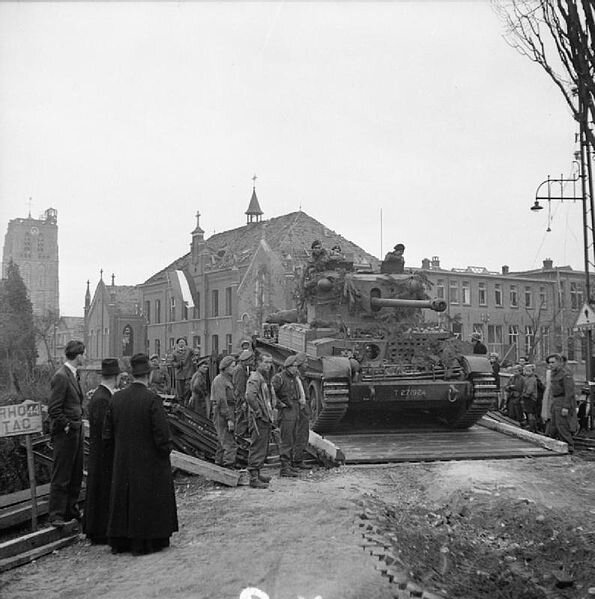 595px-The_British_Army_in_North-west_Europe_1944-45_B11374