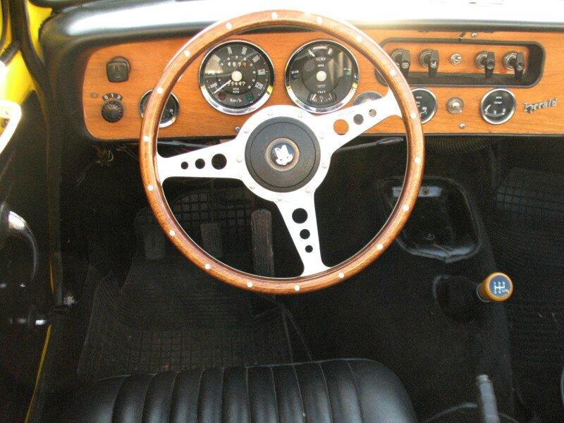 TriumphHerald13-60cabint