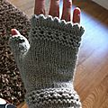 Les susie's reading mitts