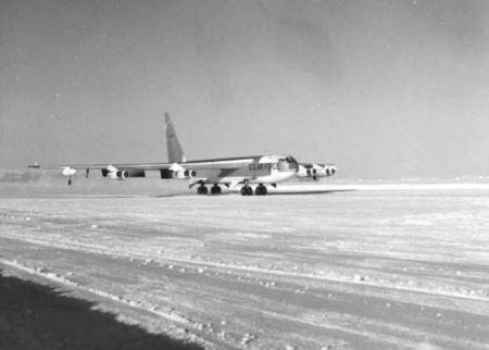 avion_b52_thule_1961