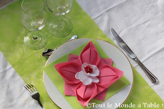 Pliage De Serviette En Fleur De Lotus Tout Le Monde Table