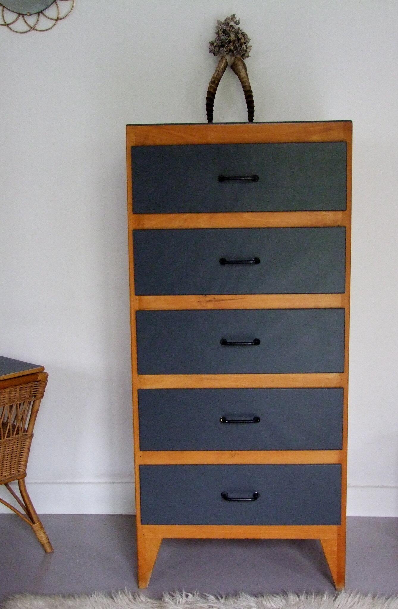 commode chiffonnier annees 60 helmut meubles vintage pataluna chin s d nich s et d lur s. Black Bedroom Furniture Sets. Home Design Ideas