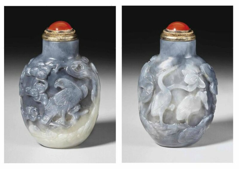 A well-carved grey and white jade snuff bottle, 1750-1850
