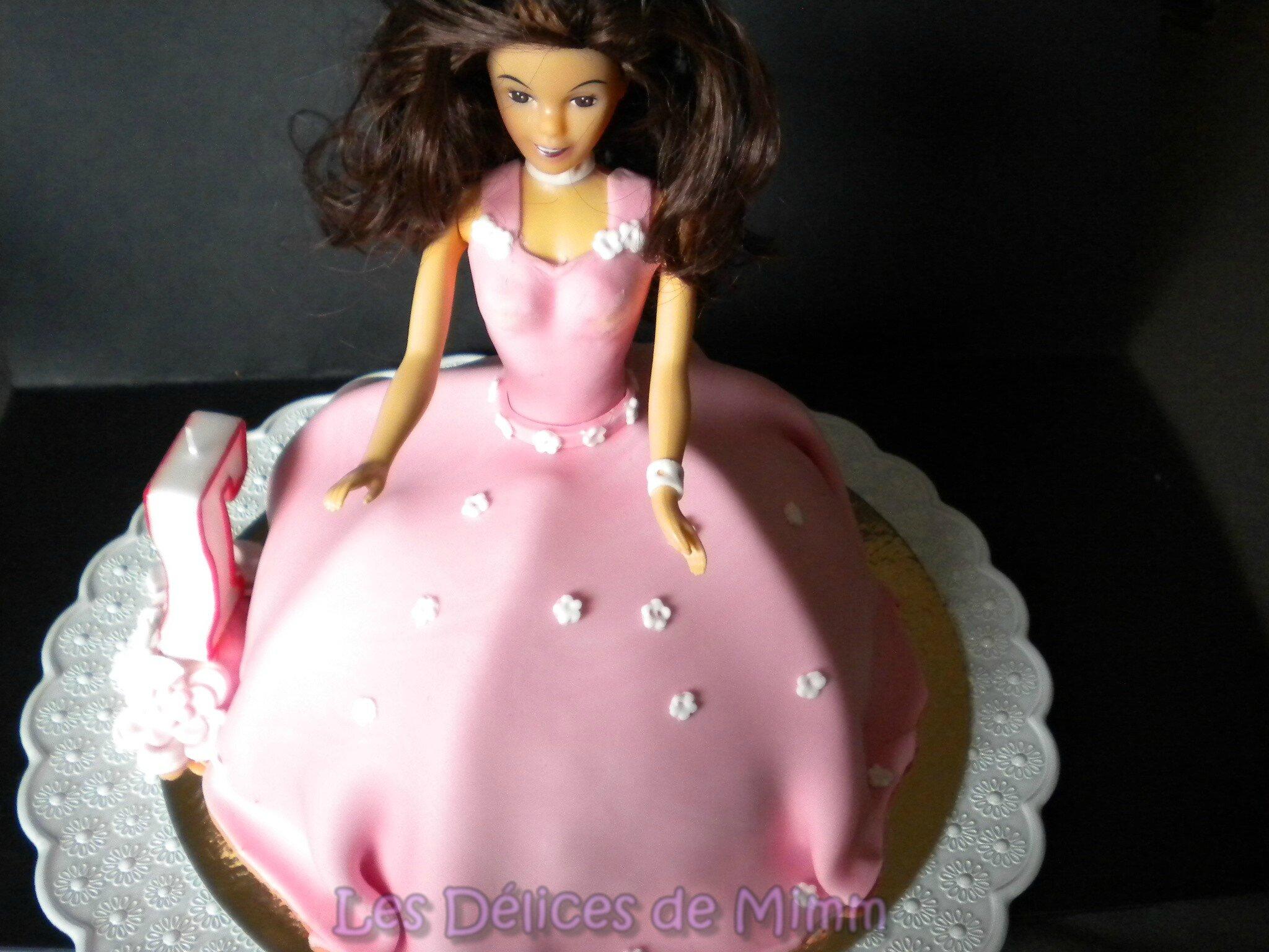 g teau princesse valina g teau barbie p te sucre les d lices de mimm. Black Bedroom Furniture Sets. Home Design Ideas
