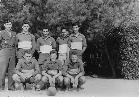 12_RCA_CAZILHAC_Equipe_de_volley_Meknes_1957_1958_copie_modifi__2