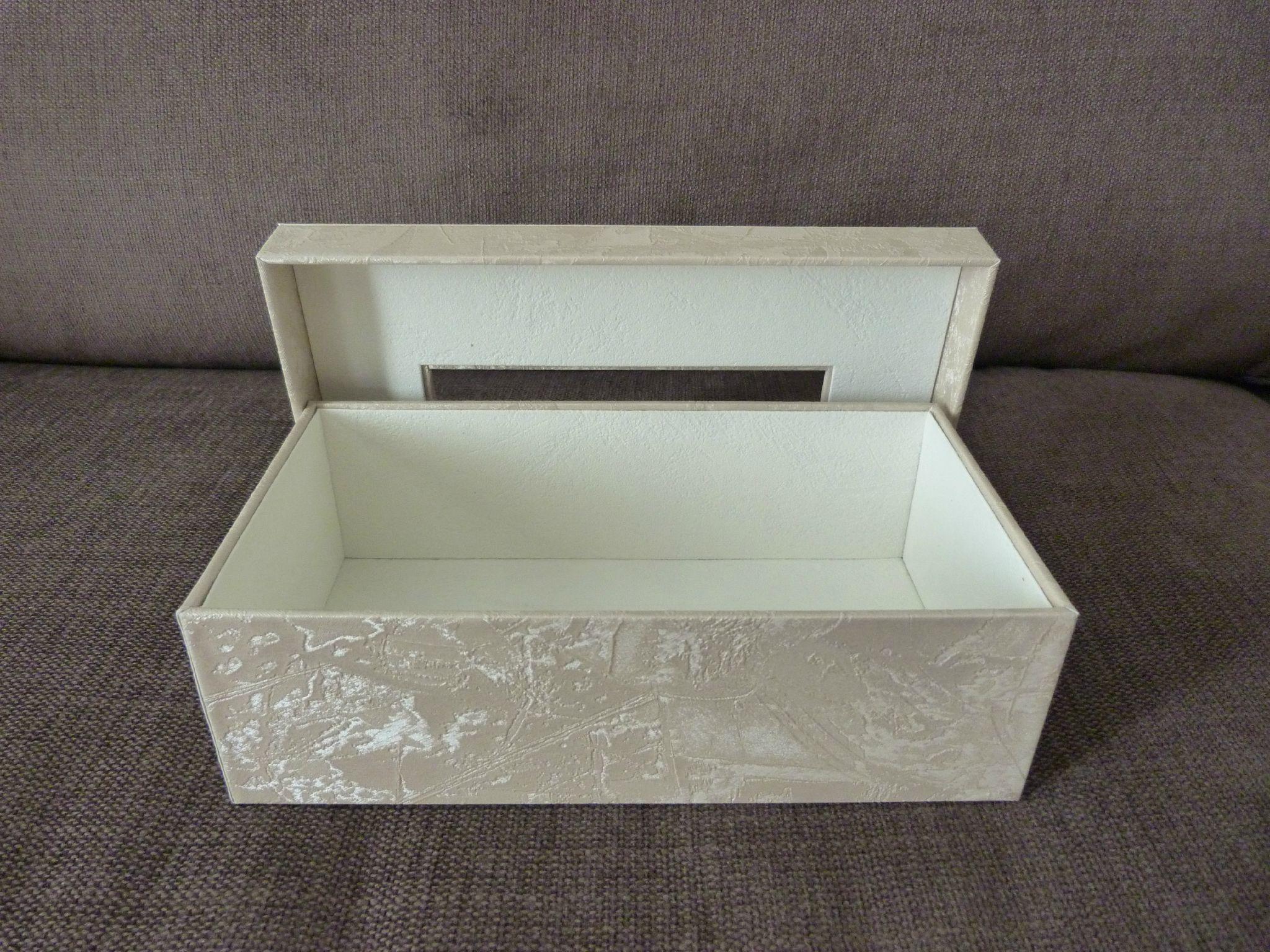 On en a jamais assez la malice en carton - Comment decorer une boite a mouchoir en bois ...