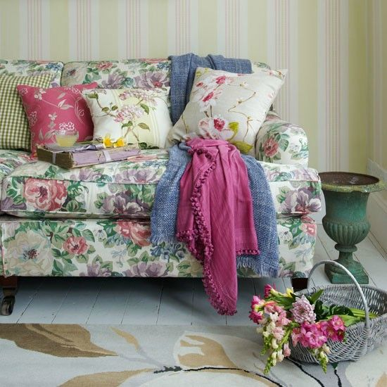 9-Floral-sofa-in-living-room--Country-Homes-and-Interiors--Housetohome