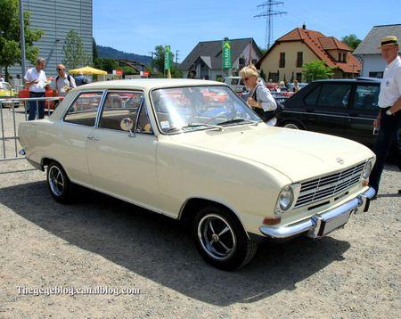 Opel kadett L berline 2 portes (RegioMotoClassica 2011) 01