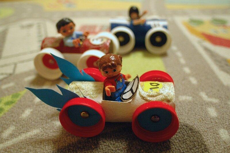Voiture 100 r cup pour lego et playmobil mon escargot - Bricolage avec rouleau papier toilette vide ...