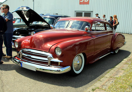 Chevrolet_fleetline_2door_sedan_custom_de_1950__RegioMotoClassica_2010__01
