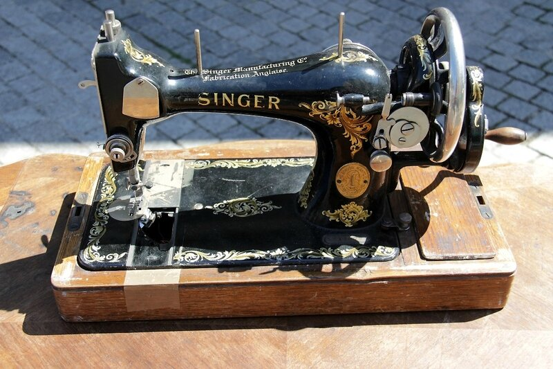 11-Machine à coudre, Pte St Ouen_1604
