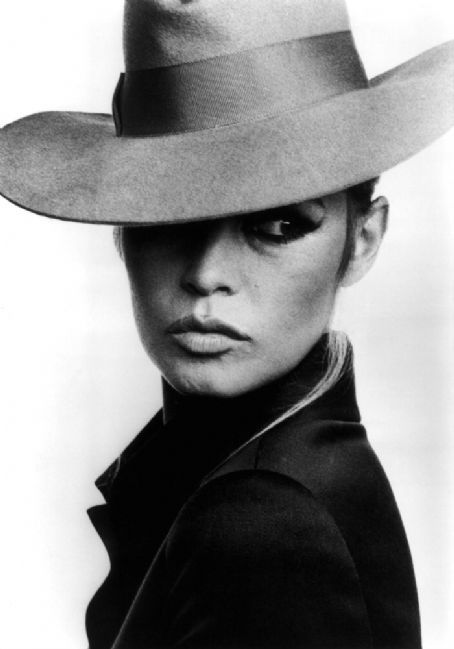 bb-theme-chapeau-1960s-mode-010-1