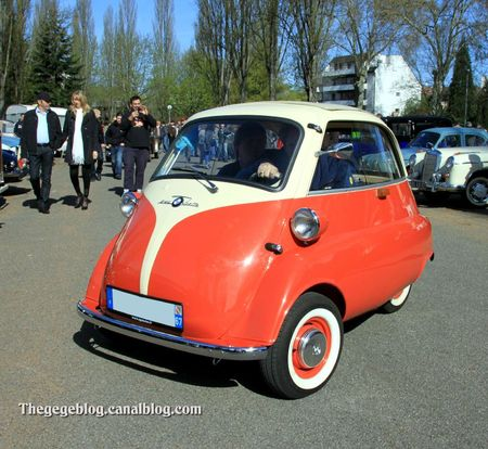 Bmw 250 isetta (Retrorencard avril 2012) 01