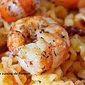 Crevettes de patagonie accompagnées de pâtes au pesto calabrese
