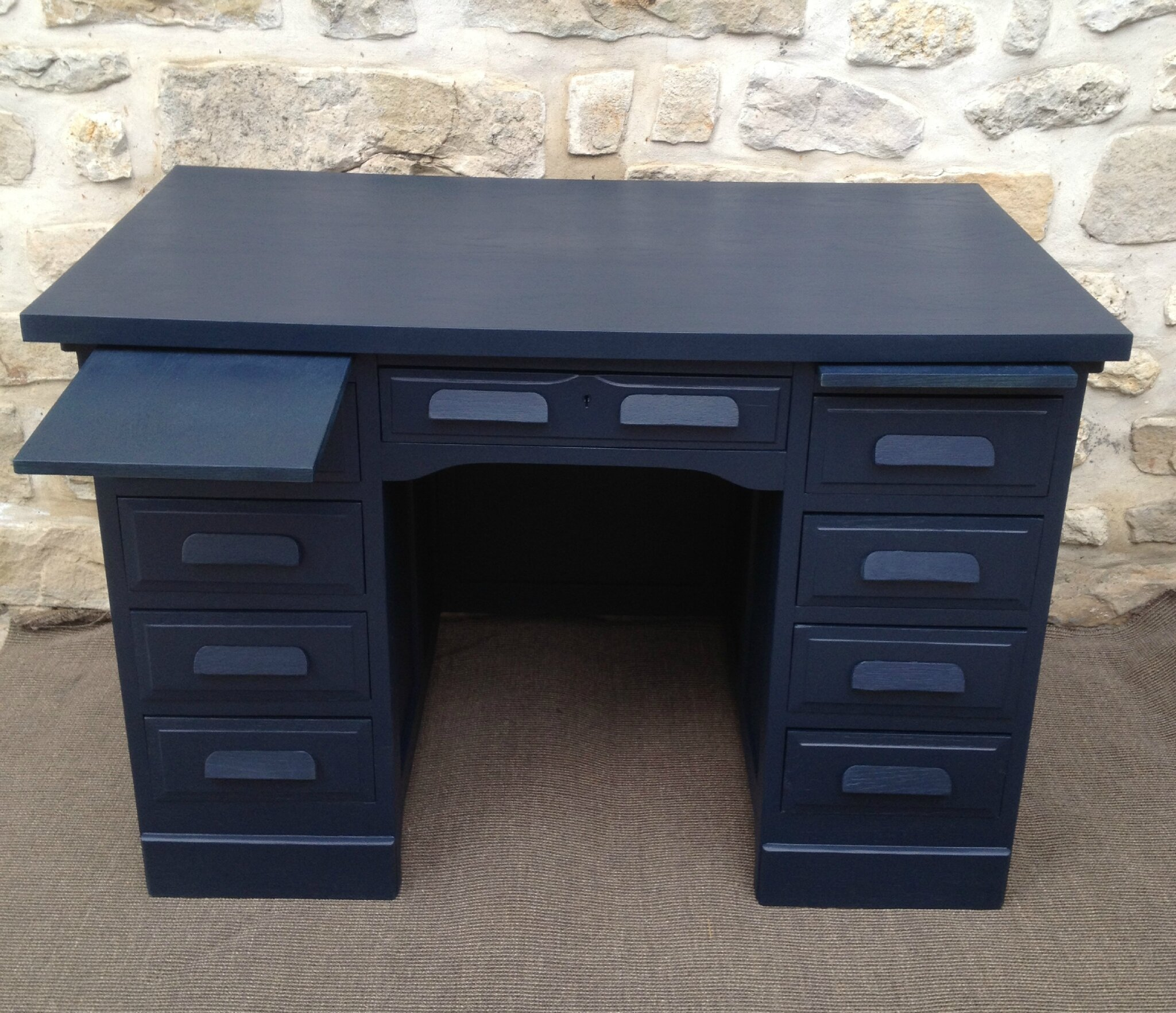 bureau comptable double repeint bleu nuit atelier darblay le meuble d 39 c t. Black Bedroom Furniture Sets. Home Design Ideas
