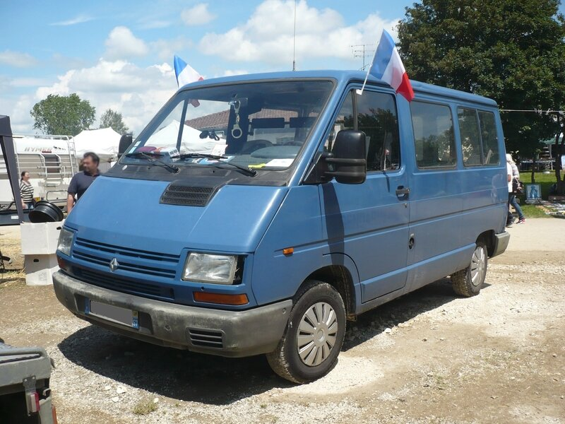 RENAULT Trafic I ex-gendarmerie Madine (1)