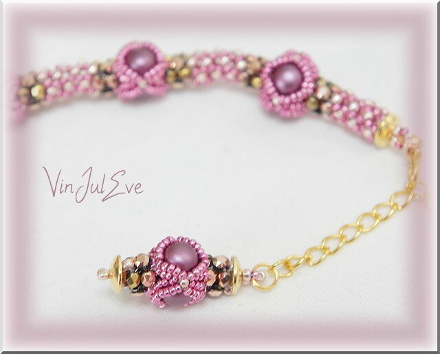 collier Iva rose1