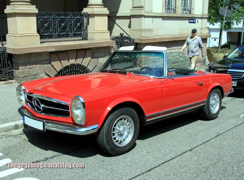 Mercedes 250 SL automatique (37ème Internationales Oldtimer Meeting de Baden-Baden) 01