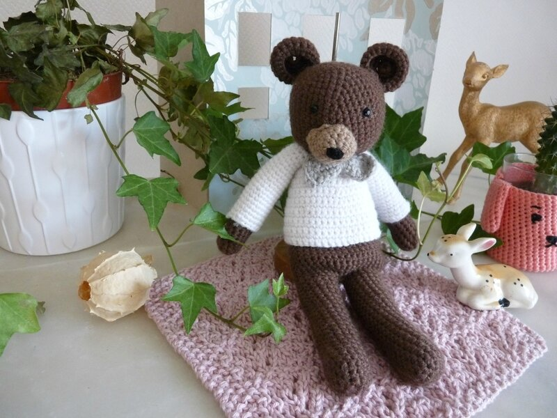ours crochet04