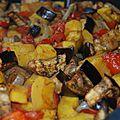 Caponata ou légumes de saison rôtis: courge délicata, aubergines, tomates, poivrons