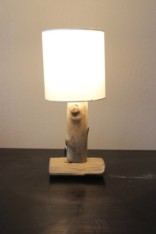 Lampe de chevet creation en bois flott for Lampe en bois flotte creation